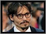 Johnny Depp,okulary, broda