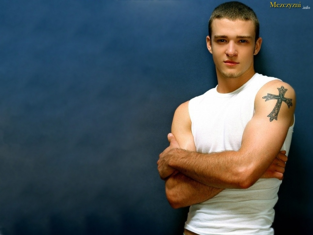 Justin Timberlake Tatuaż Krzyż
